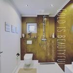 artundcolour metallo badezimmer wände mit gold beschichtet