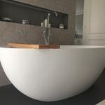 tapezierarbeiten stofftapete im badezimmer