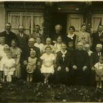 Erstkommunion Elis. Griehl in Klopchen bei Braunsberg ca. 1933 /   (Griehl, Seeberger, Knobloch, Lingk, Kuhn, Pfarrer Wien...)