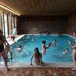 Besuch des burgeigenen Schwimmbades