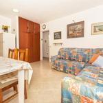 Комфортные апартаменты в Рогознице рядом с пляжем. Отдых в Хорватии с детьми.