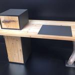 Schreibtisch aus nachhaltigem Material: Altholz Fichte, Linoleum und Schwemmholz