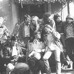 """La bande de jeunes de la série """"Kick..."""" de Marc Simenon; les meneurs sont à gauche: Paul Préboist et Maurice Chevit (Source: """"La belle histoire de Sébastien"""" de Mehdi El Glaoui)"""