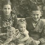 Cousine Brigitte, Manfred und Edeltraud Neitsch zu Besuch im Leipziger Zoo, ca. 1940.