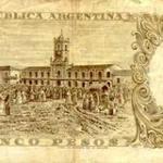 """Esta obra de Carnacini fue reproducida por el Banco Central de la República Argentina, en el billete de Cinco Pesos """"Moneda Nacional"""", emitido en 1960 por el sesquicentenario de la Revolución de Mayo."""