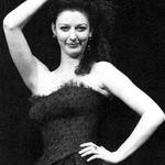 Catherine (Tessa Gasser)