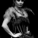 Isabeau (Angelique Duvier)