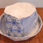 これは厚手の頒布と、輸入物のリバティと日本製のチェックのコットン生地の帽子です、普段かぶるのに重宝します。