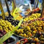 Feinkost Oliven schwarz und grün