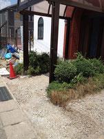 駐車場側からのスロープのための土地整備開始。