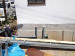 左側面の排管工事始まる。