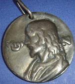 Livre:Les remèdes divins. Médaille du Campo Dei Fiori qui était à commander auprès de l'auteur.