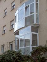 Cerramiento de terraza de aluminio abisagrado