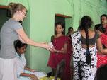 Sexarbeiterinnen in der Fachstelle des S.B. Devi Charity Home