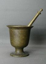 Original, schwerer Bronze Mörser um 1800, mit Pistill, € 140,00