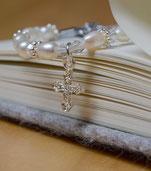 Armband Infinity white mit Kreuzanhänger