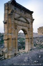 Uzappa / Ksour Abd-el-Melek - Porte du temple de Liber Pater - TN