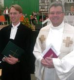 Pfarrer Dr. Maaßen mit Pfarrer Dr. Merz beim Zeltgottesdienst 2011