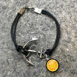 Schwarzes Baumwollwachsarmband mit einem silbernen Anker, einer Cabochonfassung für 14mm,Verschluss ist ein Karabiner