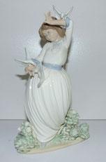Porzellanfigur, Mädchen mit Vögel, NAO by Lladro, Spain, Höhe ca. 26,0 cm , € 265,00