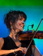 Elise Kusmeruck, chanteuse dans le groupe vocal Les Goules Poly