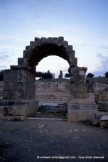 Thignica / Aïn Tounga - Arc de triomphe (?) - TN