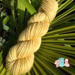 magasin de laine, vente de laine, laine à tricoter, pelote de laine, laine locale, laine pour tricoter, laine artisanale, couleur naturelle, soie, mérinos, bonnet, chaussette, teinture textile, chale
