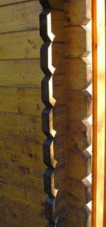 """Gartenhaus: Blockhaus-""""Imitat"""" mit einer Stecksystem"""