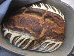 Frisch gebackenes Brot aus dem Ofenmeister