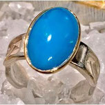 seltener hellblauer Opal