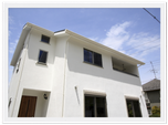 漆喰と無垢材が心地いい自然素材の家