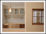 居心地の良いロフトと室内窓が可愛いナチュラルな家