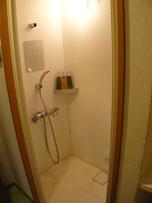 シャワー室 更衣室