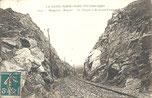 La falaise tranchée au Grand Castel de Maupertus
