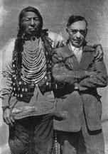 Уильям Томсон Кларк (справа)