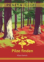 Auf dem Cover sieht man einen Wald im dem mehrere Pilze wachsen.