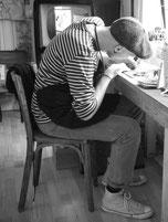 L'artiste Nac pour La Rafistolerie en plein travail