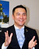 鈴木英敬氏
