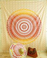 Gelbes Mandala Wandtuch und Sonnenschirm