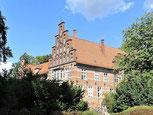 "Foto: ""Bergedorfer Schloss"" - Bezirk-Bergedorf | Stadt Hamburg - eventmöbel24.de - mietmöbel"