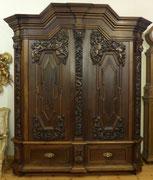 Danziger Barock Schrank, Nussbaum, geschnitzt, Putten, Engel, 19. Jahrhundert , € 4600,00