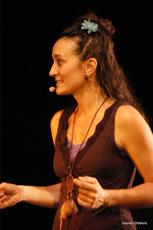 Adeline Fleuriau, chanteuse dans le groupe vocal Les Goules Poly