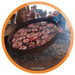 Rinder-Asado, zubereitet auf einem großen Grill