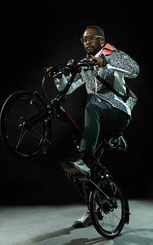 will.i.am auf einem der Tern Ekocycle Bikes © Tern Bicycles Online Photo Gallery