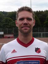 Florian Bendorf traf und musste verletzt runter.