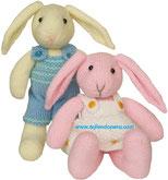 Conejos de San Valentín tejidos en dos agujas o palitos