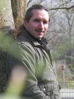 """Mickael Fauque Guérisseur magnétiseur bioénergéticien, sourcier, géobiologue diplômé de la fédération francçaise de géobiologie et de l'école de géobiologie """"l'atelier feng shui"""""""
