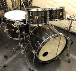 "Custom. Maple 8ply / 22""x15"" BD , 10""x7.5"" , 12""x8"" TT , 16""x15"" FT (SD)"