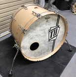 "Custom. Vintage Maple / 22""x14"" BD (NMP)"