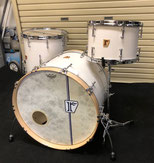 "Custom. Maple 10ply / 22""x17"" BD , Maple 8ply / 13""x9"" TT , 16""x16"" FT (IV)"